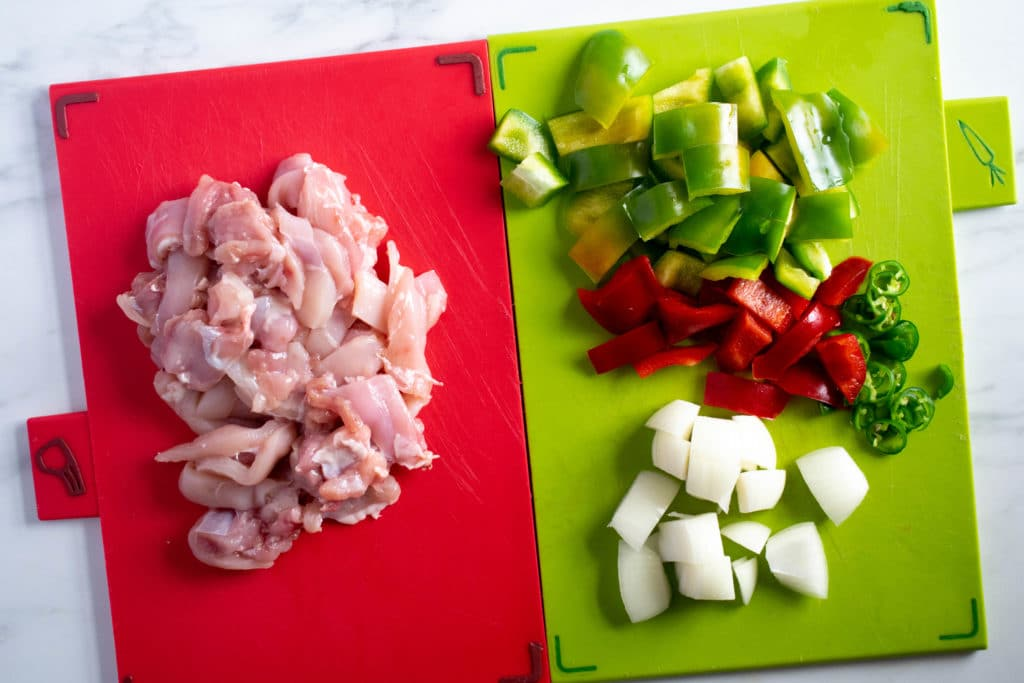 chopped chicken, peppers, onion and chilli