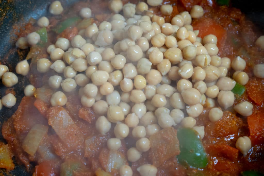 add chickpeas to curry