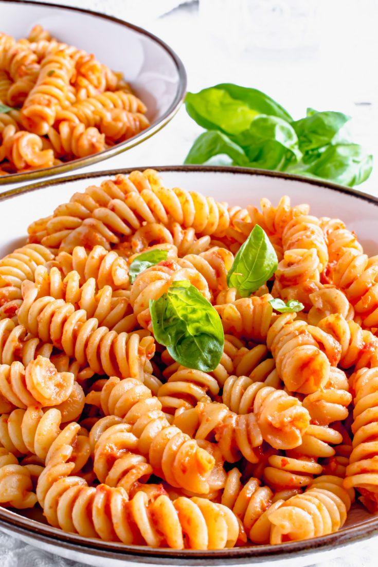 Sundried Tomato Pasta Sauce Recipe | Hint of Helen