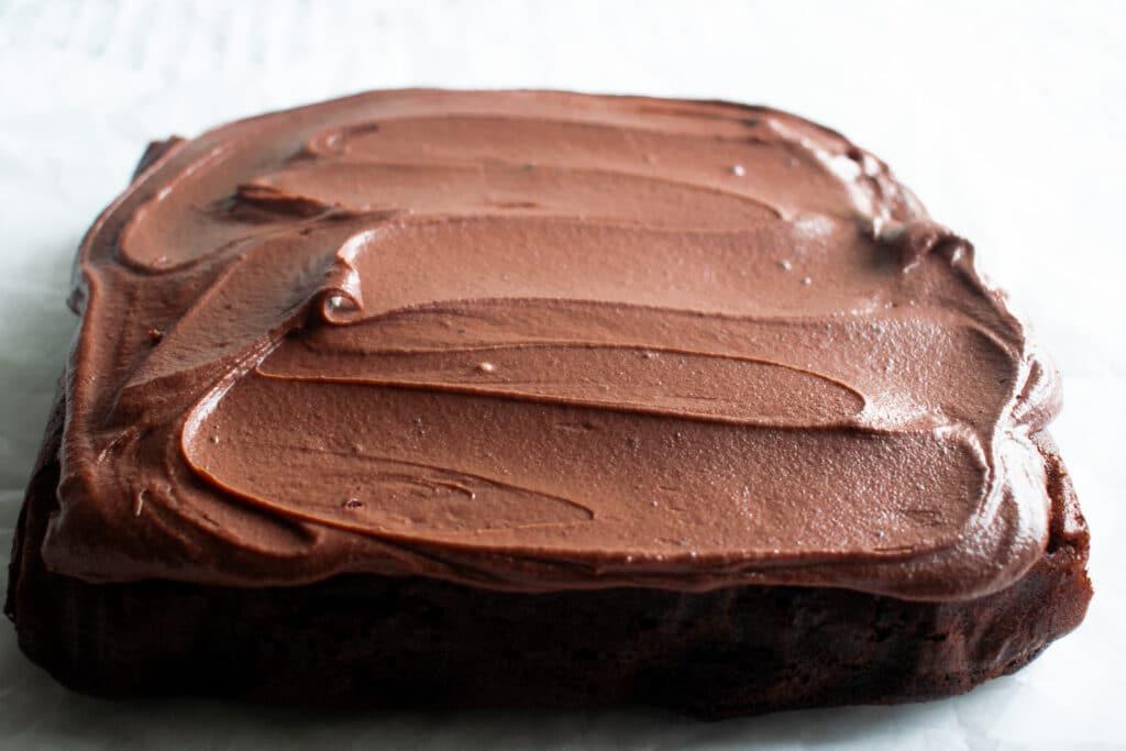 chocolate fudge cake traybake iced