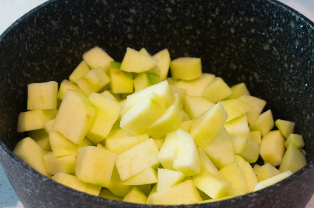 chopped cooking apples
